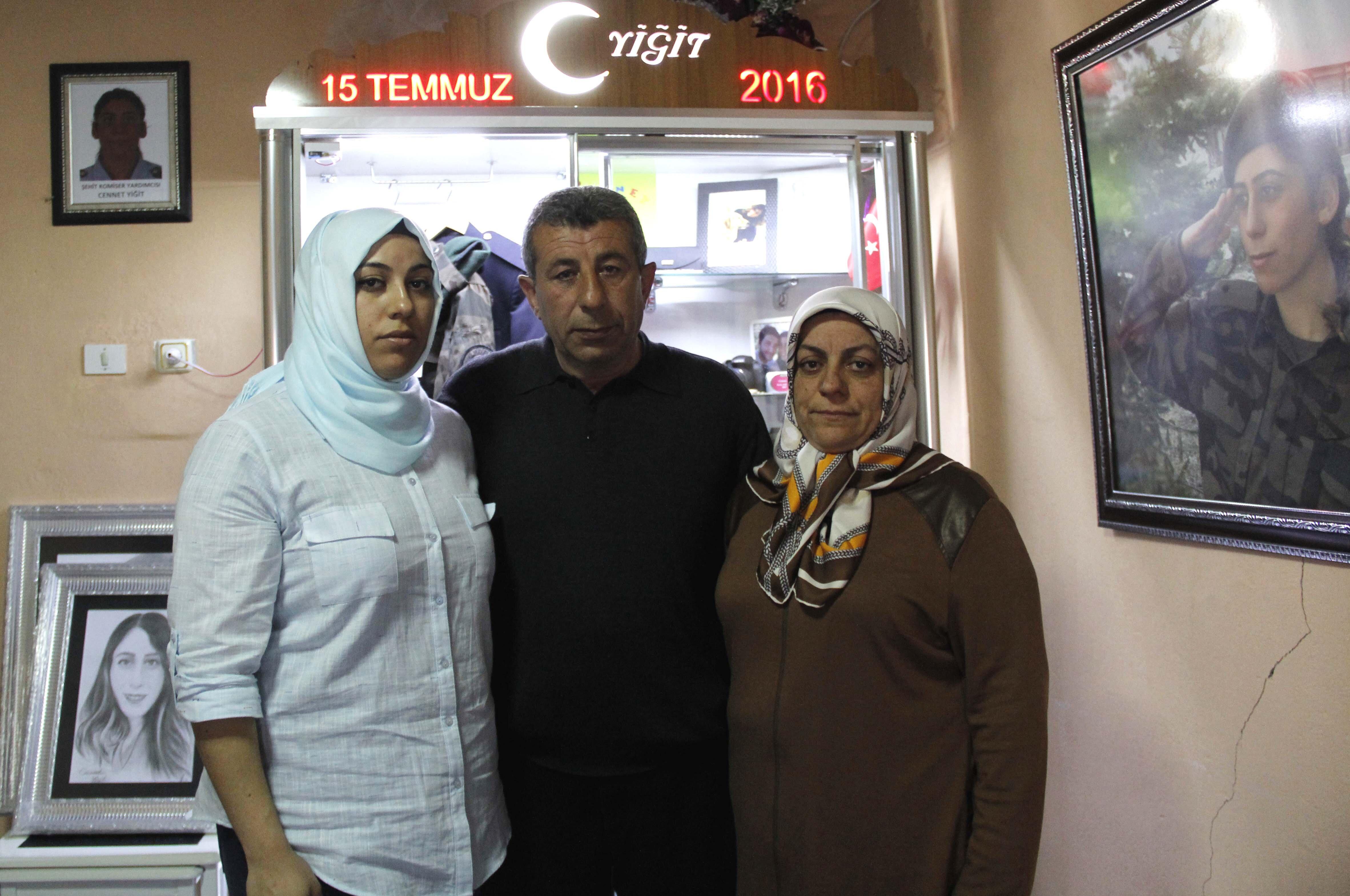 Kızıyla en son 15 Temmuz öncesi Ramazan Bayramı'nda Bünyan'da bir arada olan baba Yahya Kemal Yiğit, 15 Temmuz gecesi yaşadıklarını anlattı.