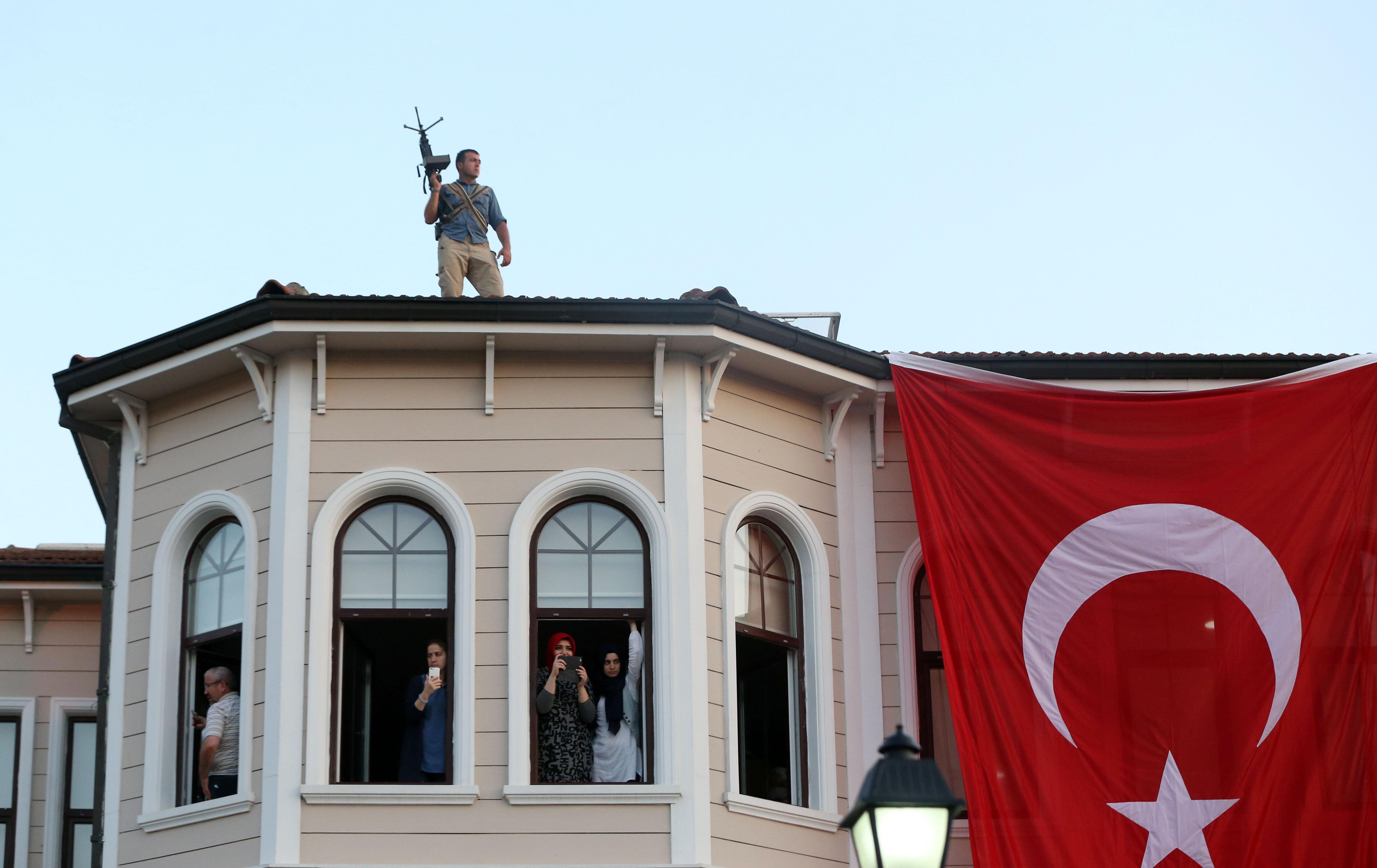 Cumhurbaşkanı Erdoğan'ı korumak için yoğun güvenlik önlemleri alındı.