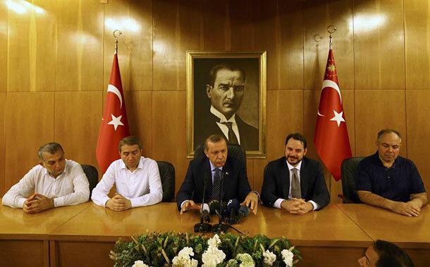Dalaman'dan Atatürk Havalimanı'na gelen Cumhurbaşkanı Recep Tayyip Erdoğan basın toplantısı düzenledi.